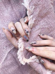 Nail art Christmas - the festive spirit on the nails. Over 70 creative ideas and tutorials - My Nails Diy Nail Designs, Colorful Nail Designs, Simple Nail Designs, Acrylic Nail Designs, Acrylic Nails, Cute Summer Nails, Cute Nails, Beach Holiday Nails, Soft Pink Nails