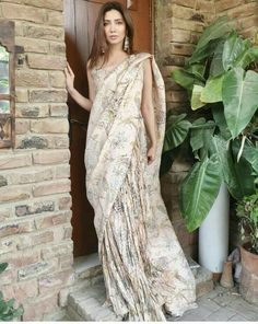 looks fabulous in this by 📸: Desi Wedding, Wedding Looks, Wedding Attire, Pakistani Designer Suits, Pakistani Dresses, Indian Sarees, Pakistani Actress, Bollywood Actress, Colorful Fashion