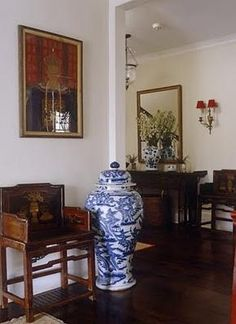 »☆Elysian-Interiors ♕Simply divine #Interiordesign ~ Chinese & Asian style Interiors ~ blue and white ginger porcelain jar ~ giant ginger jar