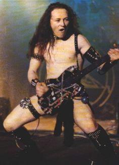 Comment Venom, Slayer et Exodus ont mis les USA à feu et à sang en 85 Cronos Venom, Venom Band, Music Stuff, My Music, Metal Band Logos, Kerry King, Metal Fan, Dimebag Darrell, Thrash Metal
