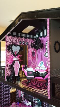 Custom Monster High Ooak Doll House Fully Furnished!! Great