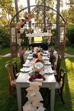 29 Adorable Steampunk Wedding Table Settings. Find more ideas for Steampunk clothing and accessories here http://www.steampunkshoppe.com.au