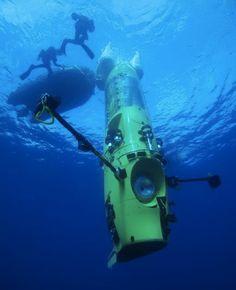 Deze maand gaat regisseur James Cameron in zijn eigen onderzeeer naar het diepste punt in de oceaan.