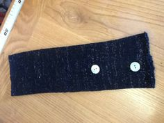 Manicotto Elegante manicotti di colore nero con Lurex color argento. Prodotto in lana misto merinos.€ 15.00