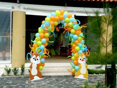 balloon entry - I don't thin I'll go this fancy on balloons, but I could probably make those cute little critter cut outs to put by the front door!