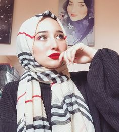 Image may contain: 2 people, stripes, selfie and closeup Modern Hijab Fashion, Hijab Fashion Inspiration, Muslim Fashion, Beautiful Hijab Girl, Beautiful Muslim Women, Hijabi Girl, Girl Hijab, Hijabs, Hijab Style Tutorial