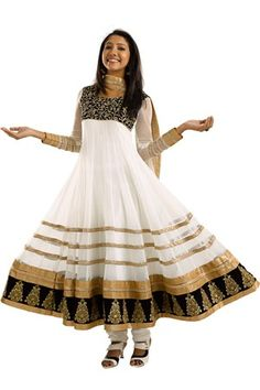Kabooliwala brought Anarkali to its best form and with new collections that pulls out a uniqueness, generosity and style of a woman. Shop the latest trends for onam festival at www.kabooliwala.com