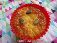 Muffins e Cupcakes de abóbora http://tertuliadasusy.blogspot.pt/2013/05/muffins-e-cupcakes-de-abobora.html