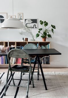 Nordic dining room with dining table from Hay and vintage chairs.