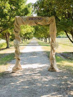 Burlap Wedding Arch: Photo by Elizabeth Henson Photos via Heather Renee Celebrations