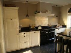 witjes in de keuken en dallen op de vloer