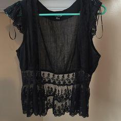 Forever 21 vest Black Lacey forever 21 vest! Forever 21 Tops Blouses