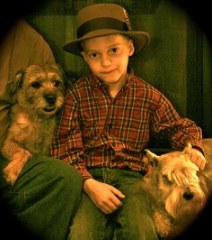 Lee - The Kid and his wild dogs
