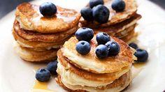 Bananpannkaka är oerhört nyttigt och gott att äta till frukost, mellanmål eller bjuda på som dessert! Har inte riktigt koll på detta recept, men det behövs bara ägg och banan (inget mjöl) och kan smaksättas t ex med vaniljpulver.