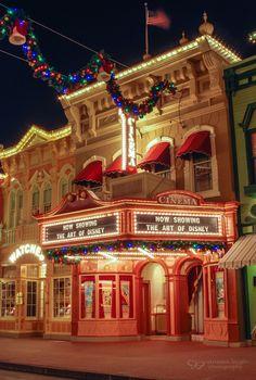 I love Disney at christmas