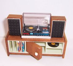 Vintage 1970's Lundby Dolls House Stereo Record Player Centre