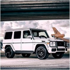 Love this white with black accents look on the G-Class. #Gwagen #AMG #mercedes #benz #instacar