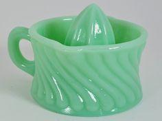 New Jadite Green Glass Small Hand Juicer Reamer Swirl Pattern Jadite Vintage Kitchenware, Vintage Dishes, Vintage Glassware, Vintage Pyrex, Vintage Items, Hand Juicer, Green Milk Glass, Vaseline Glass, Swirl Pattern