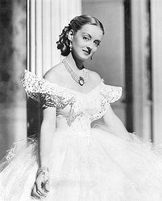 """Miss Davis in """"Jezebel"""" (1938)"""