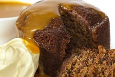 This Sticky Date Pudding in a Mug is a one cup wonder. It is a lovely, tender and buttery dessert.Yummy with a dollop of cream or a scoop of vanilla ice cream on top! Mug Recipes, Pudding Recipes, Wine Recipes, Sweet Recipes, Cooking Recipes, Microwave Recipes, Recipies, Kitchen Recipes, Sauce Recipes