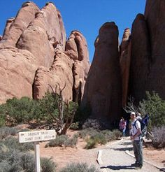 Family Activities in Moab, Utah. Kid friendly hikes in Arches National Park