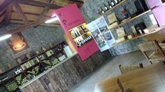Além do Vale dos Vinhedos, toda a região de Bento Gonçalves é servida de Vinícolas, desde grandes produtoras de vinhos até vinícolas familiares com produções menores. A Dal Pizzol Vinhos Finos é uma vinícola familiar com uma tradição na vitivinicultura que remonta o Século XIX (1878), quando os primeiros imigrantes da família... (continue lendo em: http://pedeviagem.com.br/dal-pizzol-vinhos-finos-bento-goncalvesrs/)   #atrativo turístico #bento gonçalves #b