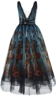 Marchesa Floral Ombre V Neck Dress, Optimism! Look Fashion, High Fashion, Fashion Design, Skirt Fashion, 70s Fashion, Fashion Online, Winter Fashion, Evening Dresses, Formal Dresses