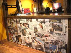 Parete con giornali => http://blog.gromia.it/arredare-una-parete-vuota-10-idee-da-cui-prendere-spunto/