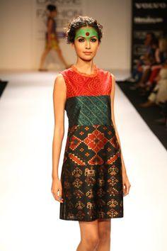 "Deepika Govind's 2012 Lakeme Fashion week ""Pop Art"" style"