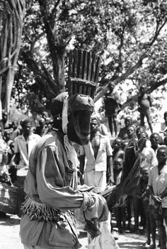 Masked performer during N'tomo society initiation masquerade, Bamako (national district), Mali, 	Elisofon, Eliot photographer.