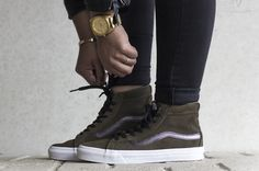 VANS U SK8-HI SLIM CUTOUT, this sneaker is now available at www.frontrunner.nl