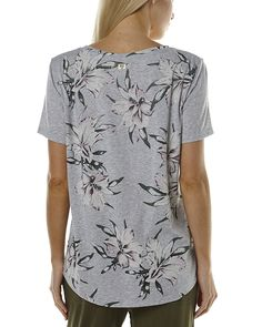 Features:Womens Short Sleeve TeesColour: Grey MarleMade from: 50% Polyester, 37% Cotton, 13% RayonRound neckline Floral print on back and necklinePlain frontWoven labelsStraight hemlineSize + Fit Guide:Model)Model is wearing a size 8/S