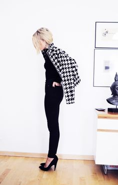 houndstooth. Looks like its making it big in the fashion world this winter!