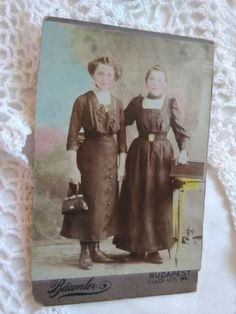 Text in Hungarian on the backside: my mother is 14 years old on the photo. see the photos attached. pale scratchings on the photo. Anonymous, Bud, Vintage Photos, Vintage Fashion, Antiques, Girls, Painting, Antiquities, Toddler Girls