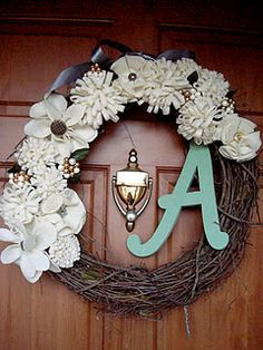 "on my future front door. A pinner said: ""The wreath took all of about ten dollars and thirty minutes to make. Well worth it! Cute Crafts, Crafts To Do, Diy Crafts, Diy Projects To Try, Craft Projects, Craft Ideas, D House, Deco Floral, Crafty Craft"