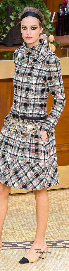 Chanel Clothes for sale Chanel Fashion, High Fashion, Womens Fashion, Paris Fashion, Chanel 2015, Coco Chanel, Tartan, Plaid, Winter Typ