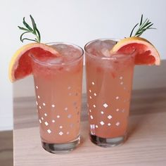 5 of the Best Grapefruit Cocktails - Trine Nicole - Cocktail Recipes Fun Drinks, Yummy Drinks, Cocktail Recipes, Cocktails, Rosemary Simple Syrup, Grapefruit Cocktail, Mojito Recipe, Copper Mugs, Cocktail Making