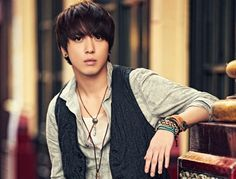 CNBLUE's Yonghwa turns down role for upcoming drama, 'Heirs'