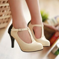 cute vintage shoes, I have a pair like this but different colors, I love them!!