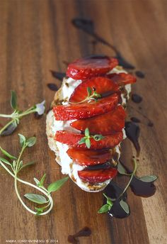 Strawberry and Gorgonzola Mousse Crostini with Balsamic Glaze and Thyme - Mint & Rosemary