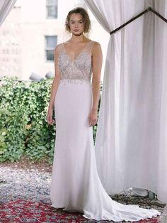 Alexandra Grecco Fall/Winter 2018: Ethereal Gowns With an Elegant Twist | TheKnot.com