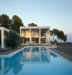 House in Valle de Morna on Ibiza, Spain by Blacam and Meagher Architects Amazing Architecture, Modern Architecture, House And Home Magazine, Pool Houses, House Goals, Pool Designs, Beautiful Homes, Decks, Minimalist Home