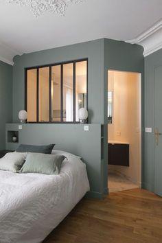 Trendy home bedroom grey decor Narrow Bedroom, Small Apartment Bedrooms, Small Apartments, Bedroom Ideas For Teen Girls, Girls Bedroom, Trendy Bedroom, Master Bedroom, Grey Bedroom With Pop Of Color, Scandinavian Bedroom