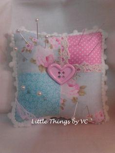 ✿Meu alfiniteiro✿     My pin cushion by Little Things by VC