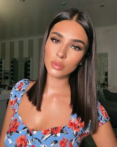 Makeup Tips to Look Extra during Fall! Medium Hair Cuts, Medium Hair Styles, Short Hair Styles, Long Bobs, Quick Hairstyles, Mode Outfits, Hair Looks, Hair Inspo, Natural Makeup