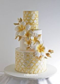 beautiful gold and white Samoan inspired wedding cake: