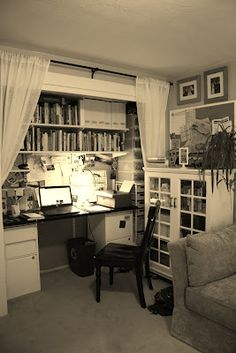 Love the idea of turning a closet into an office!... but I also love having a closet. So...