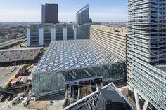 Galeria de Estação Central The Hague / Benthem Crouwel Architects - 7 Roof Architecture, Concept Architecture, Corrugated Roofing, Tin Roofing, Steel Roofing, Modern Roofing, Roofing Shingles, Types Of Roofing Materials, Fibreglass Roof