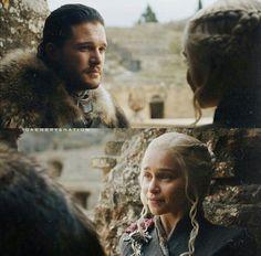 Game of thrones season Jonerys, Jon Snow and Daenerys Targaryen, Kit Harington, Emilia Clarke Game Of Thrones 1, Game Of Thrones Series, Game Of Thrones Quotes, Game Of Thrones Funny, Valar Dohaeris, Valar Morghulis, Tv Couples, Couples In Love, Power Couples