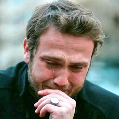 Kur te mungojne njerezit qe ti do me shume Marie Antoinette Movie, Handsome Celebrities, Iphone Wallpaper Images, Turkish Fashion, Turkish Actors, Best Actor, Billie Eilish, Crying, Crushes
